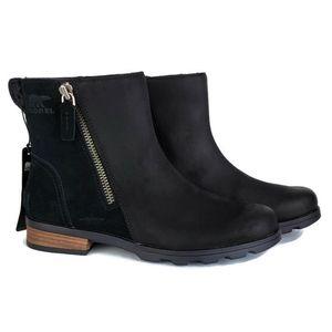 NWT Sorel Emilie zip leather waterproof booties